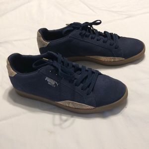 Excellent condition women's navy/tan/gold pumas